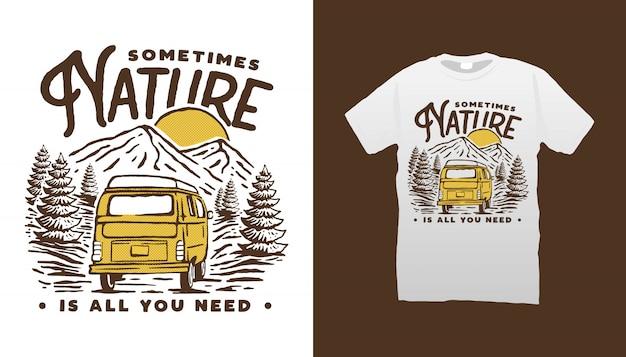 Projeto do tshirt de van de campista da montanha