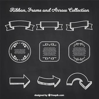 Quadros de fitas e coleção de flechas em estilo de lousa