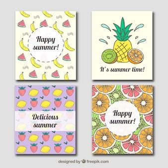 Quatro cartões do verão com variedade de frutas desenhadas mão