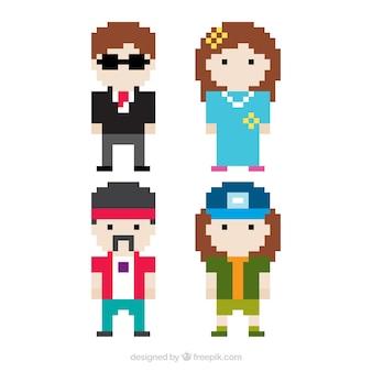 Quatro personagens pixelizada