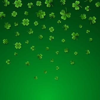 Quatro verdes e trevos de folhas de árvore isolados em verde
