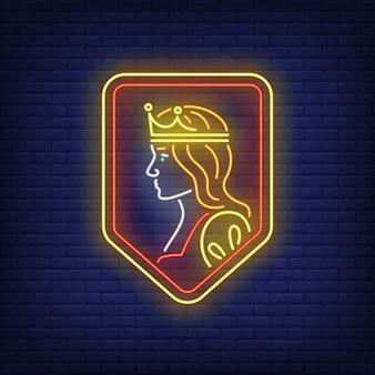 Rainha em sinal de néon de escudo.