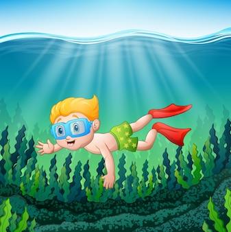 Rapaz dos desenhos animados mergulhando debaixo d'água