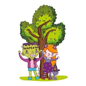 Rapaz e rapariga fantasia com gato e árvore