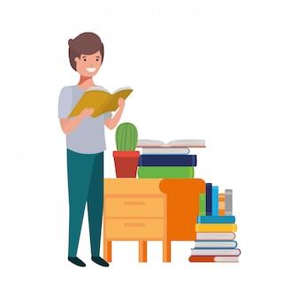 Rapaz estudante com livro de leitura nas mãos