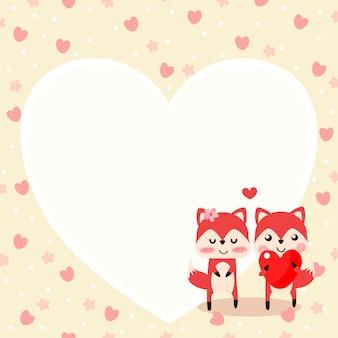 Raposa bonito no amor e mantenha um coração vermelho