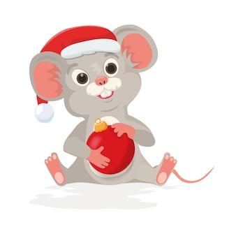 Rato bonito de natal ou mouse detém bola de ano novo no estilo cartoon. mouse no chapéu de papai noel como símbolo feliz ano novo chinês 2020 signo de rato.
