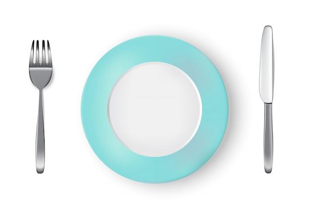 Realista pastel azul placa ou prato, faca de metal e garfo na mesa de jantar