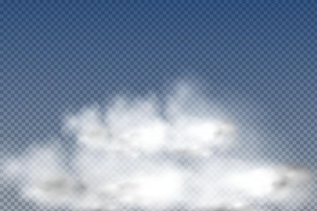 Realistas nuvens isoladas e transparentes, nevoeiro ou fumaça sobre um fundo azul.