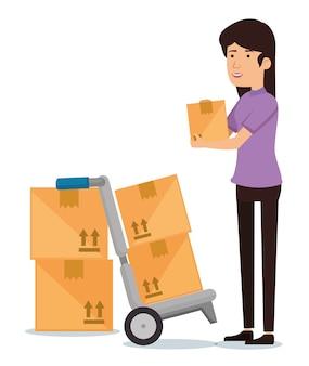 Receptor de mulher com caixas de papelão