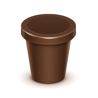 Recipiente de balde de banheira de plástico de comida marrom em branco para chocolate mock design de embalagem close-up isolado no fundo branco
