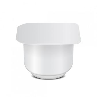 Recipiente de plástico quadrado branco com filme plástico e tampa de alumínio para produtos lácteos, iogurte, creme, sobremesa, geléia. modelo de embalagem