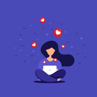 Redes sociais. jovem mulher feliz em pé com um smartphone sentado em um parque conversando