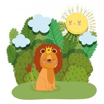 Rei leão bonito com coroa na floresta verde