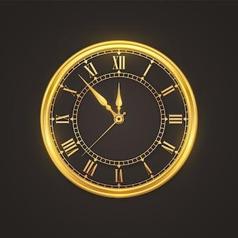 Relógio dourado brilhante com contagem regressiva à meia-noite, véspera de ano novo.