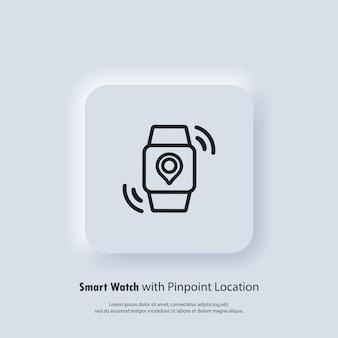 Relógio inteligente com localização exata. programação de transporte design de modo noturno de notificação de aplicativo móvel. hora de chegada na tela. etiqueta gps no visor do relógio inteligente.