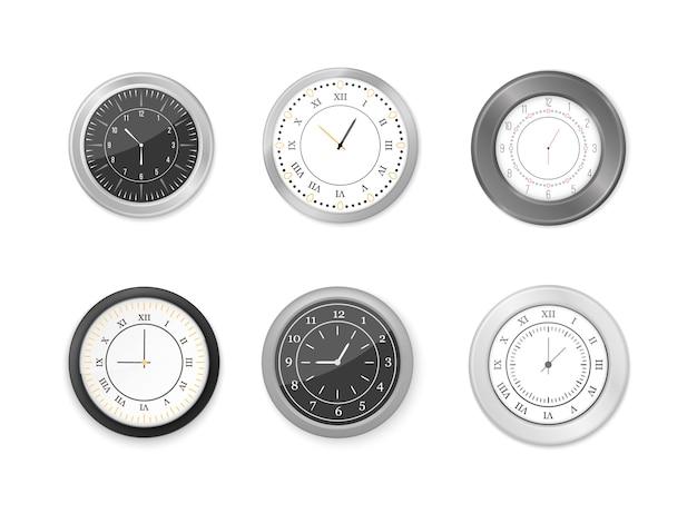 Relógios de parede redondos brancos e pretos modernos, mostrador preto e maquete do relógio de ponto. conjunto de ícones de relógio de parede branco e preto. mock-up para branding e publicidade.