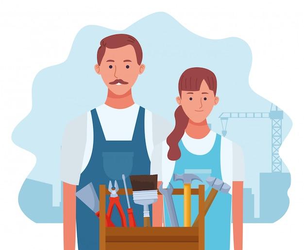 Reparação dos desenhos animados mulher e homem com caixa de ferramentas