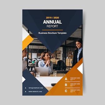 Resumo relatório anual com modelo de foto
