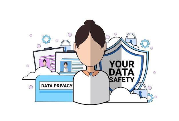 Retrato de mulher de agente de apoio de escudo de segurança de dados