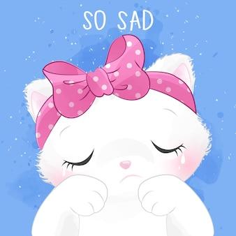 Retrato pequeno bonito do gatinho com expressão triste