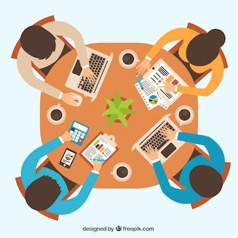 Reunião de negócios com relatórios