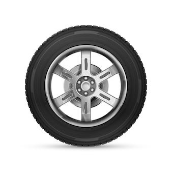Roda de carro realista detalhada isolada no branco