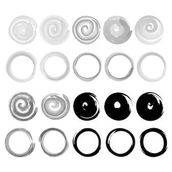 Rodando pinceladas de aquarela e tinta círculos de pincel em um fundo branco d