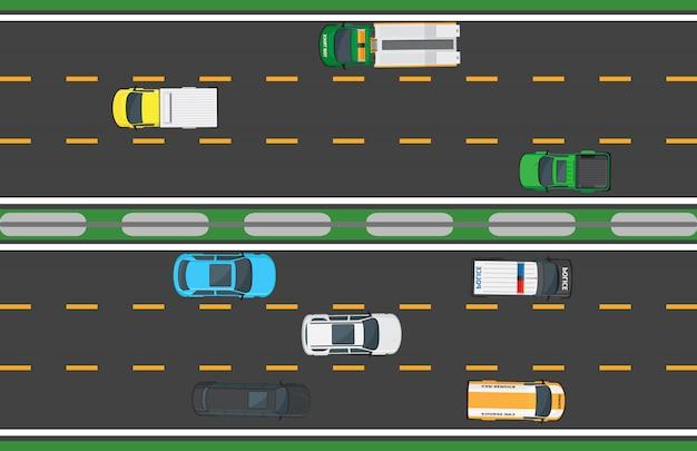Rodovia asfaltada com oito meios de transporte