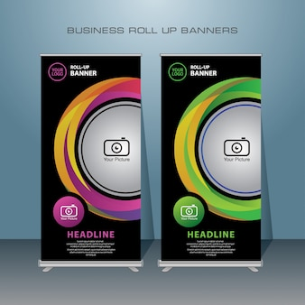 Rollup de negócios criativos. design de banner em pé.