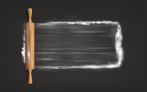 Rolo de massa na mesa com farinha