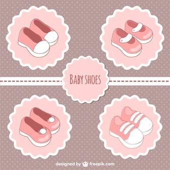 Rosa etiquetas de sapatos de bebê