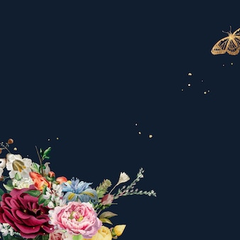 Rosas coloridas luxuosas contornando o fundo azul aquarela