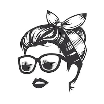 Rosto de mulher com coque de cabelo bagunçado e ilustração de arte vetorial de óculos de sol.