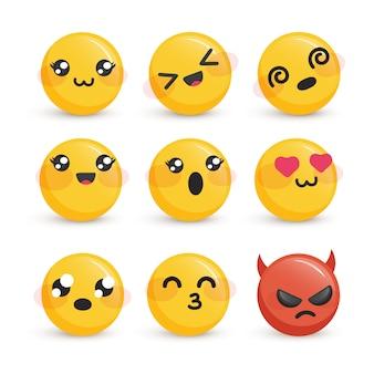 Rostos sorridentes fofos com diferentes emoções definidas