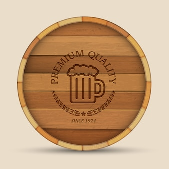 Rótulo de cerveja no barril de madeira de forma