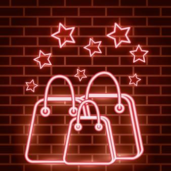 Rótulo de luzes de néon com sacos de compras