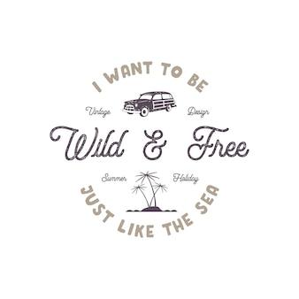 Rótulo de verão com carro de surf retrô, palmas das mãos e elementos de tipografia. sinal de deserto. estilo de praia vintage para camisetas, emblemas, canecas, design de roupas, roupas e outras identidades. vetor de estoque isolado.