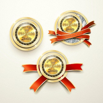 Rótulos dourados de qualidade premium com elementos de diamante sobre fundo bege