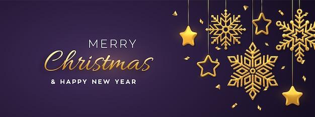 Roxo do natal com flocos de neve dourados brilhantes pendurados e estrelas metálicas 3d.