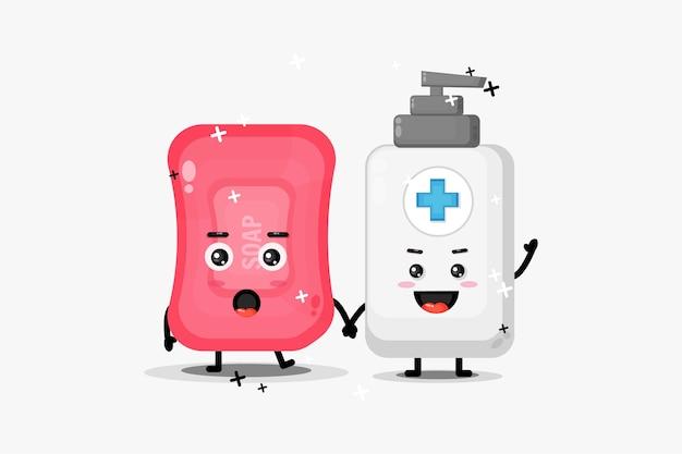 Sabonete fofo e mascote de desinfetante para as mãos de mãos dadas Vetor Premium