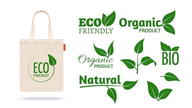 Saco de compras ecológico. pacote têxtil realista para loja orgânica. rótulos de produtos naturais deixa ícones