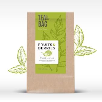 Saco de papel artesanal com rótulo de chá de frutas e bagas vetor abstrato layout de design de embalagens com realis ...