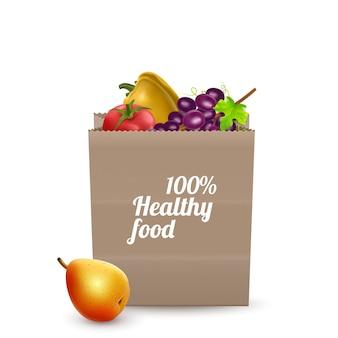 Saco de papel de supermercado cheio de alimentos saudáveis isolado no fundo branco
