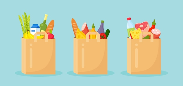 Sacos ecológicos de papel reutilizáveis cheios de produtos de mercearia, alimentos saudáveis.