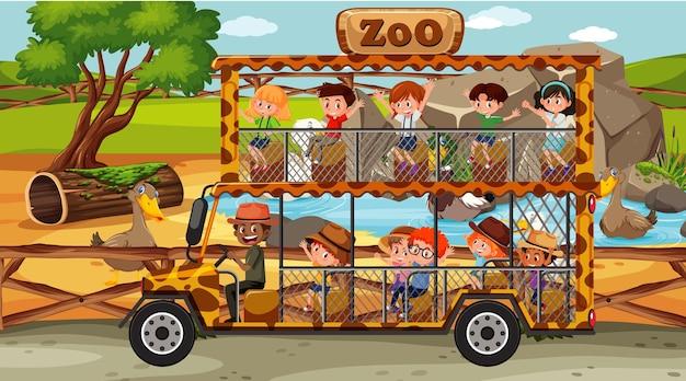 Safari diurno com crianças em carro de turismo