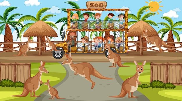 Safari durante o dia com muitas crianças assistindo o grupo canguru