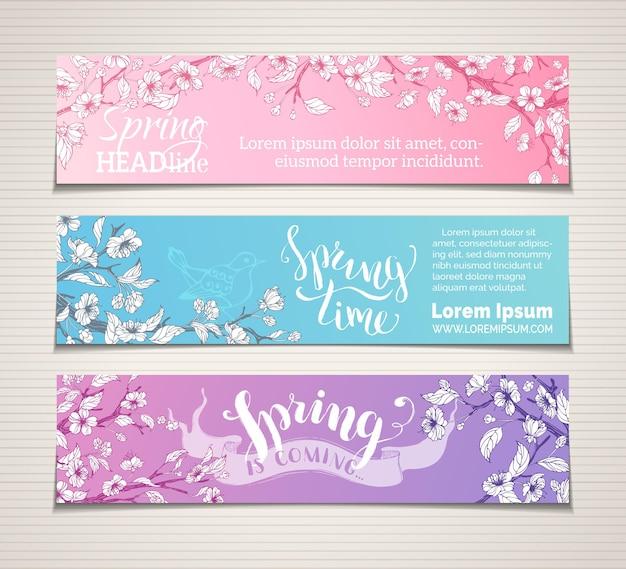 Sakura floresce, folhas e pássaros em galhos de árvores