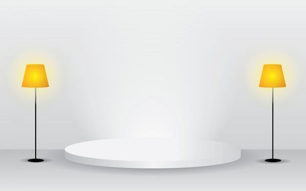 Sala branca vazia do estúdio para a exposição do produto satisfeito. com lâmpada amarela