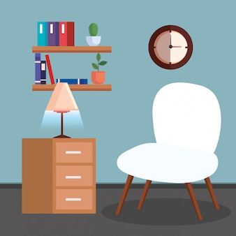 Sala com cadeira, candeeiro e prateleira